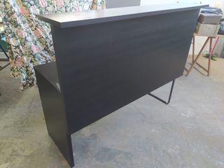 Mostrador / escritorio color marrón