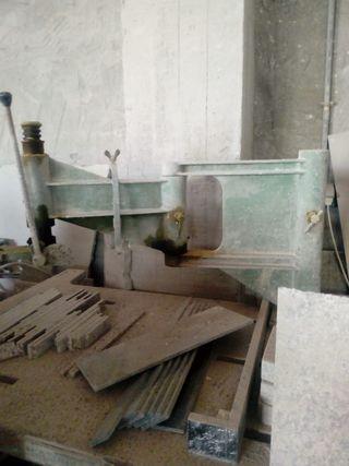 brazo fijo para taladrar con aguay mesa de hierro