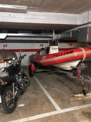 Barca neumatica semirrigida