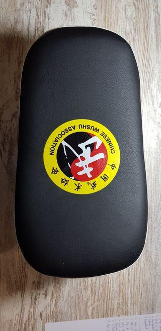 Protector para entrenamiento kickboxing