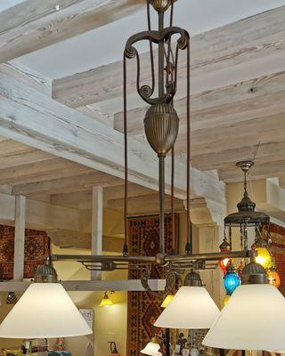 lámpara de techo sube y baja de tres tulipas