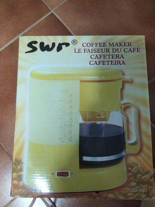 Cafetera eléctrica nueva