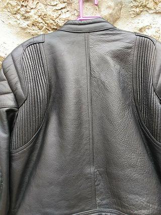 chaqueta cuero levior