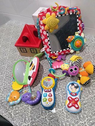conjunto juguetes para bebé