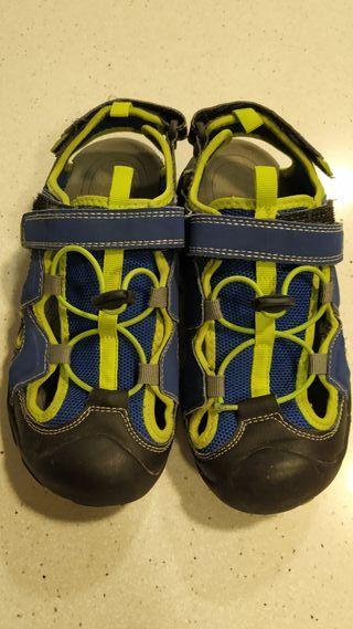 Sandalia Trekking velcro y gomas Talla 37