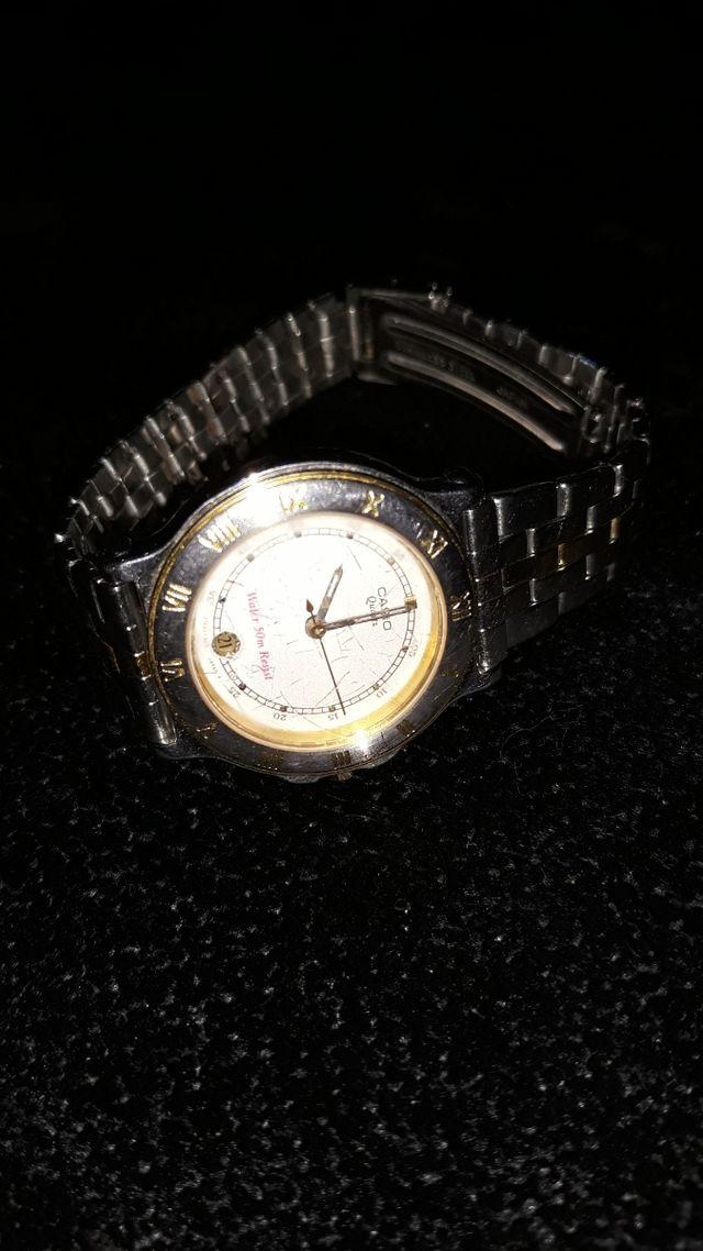 Reloj Casio mujer.