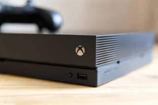 Xbox one X 1TB+MANDO ELITE 1