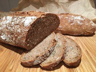 Pan alemán ecológico de masa madre, a piedra