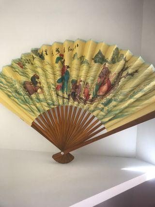 Abanico chino de papel