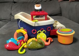 Barco flotante marca B. toys