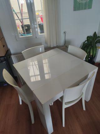 Conjunto de mesa extensible y 4 sillas