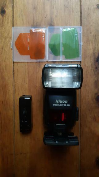 Flash Nikon SB800