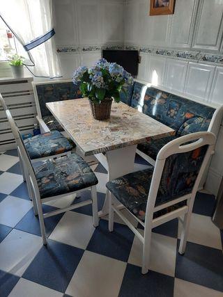 rinconera mesa y 3 sillas cocina