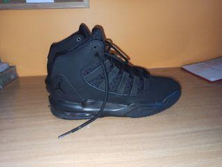 Zapatillas niño baloncesto JORDAN talla 36