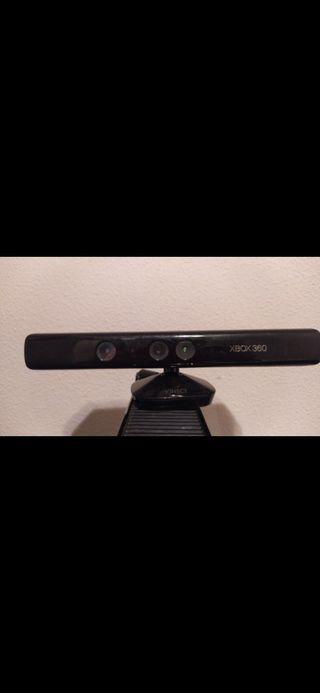 Xbox 360 con juego y cámara negociable