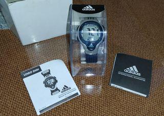 Reloj digital Adidas función electroluminiscente