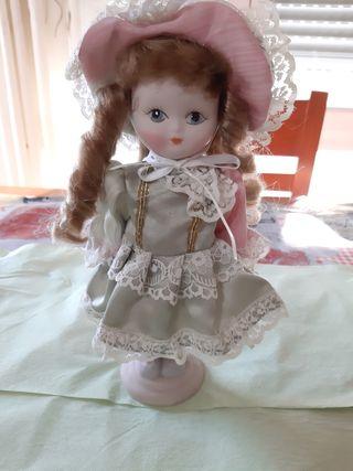 Muñeca de porcelana Ramón Inglés