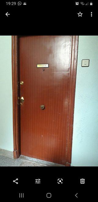 puerta entrada-puerta blindada