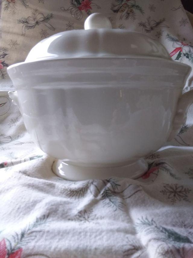 sopera porcelana San Claudio