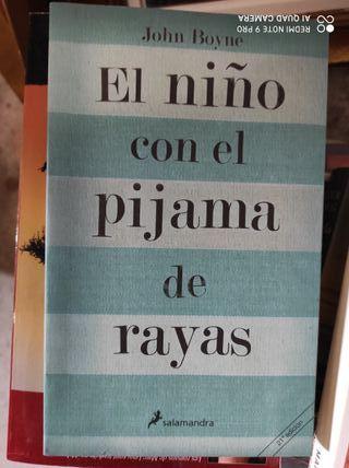 El niño con el pijama de Rayas.