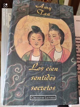 Los cien sentidos secretos.