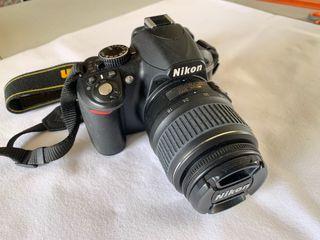 NIKON D3100 Con objetivo