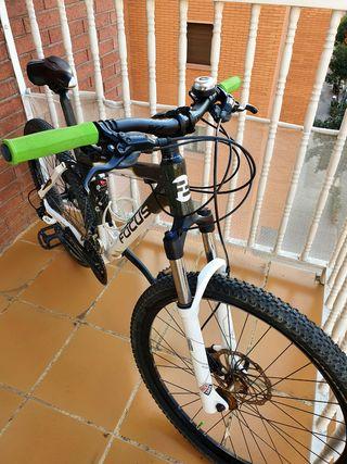 Bicicleta doble MTB BTT Focus Talla XS