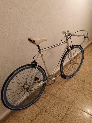 bicicleta Peugeot clásica fixie
