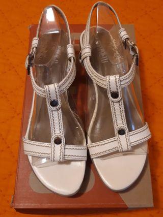 sandalias de piel blancas, Minelli