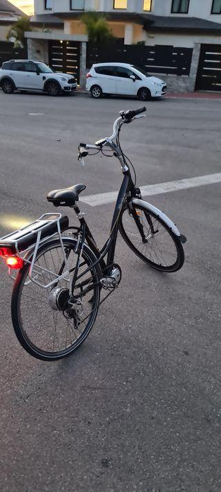 Bici eléctrica de paseo.