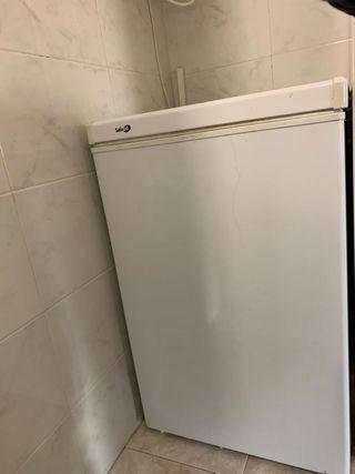 Congelador nevera horizontal A+