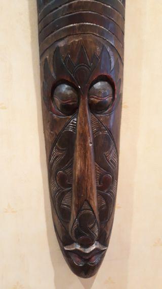 Máscara madera policromada