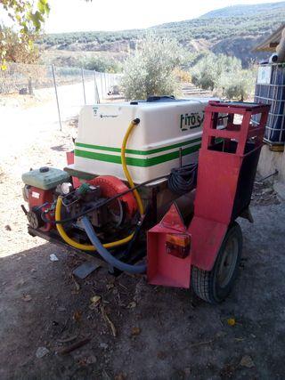 cuba de arrastre de 600 litros