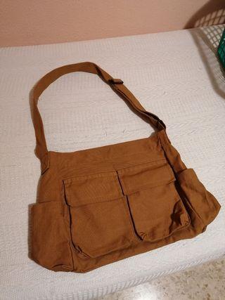bolso grande marrón de tela