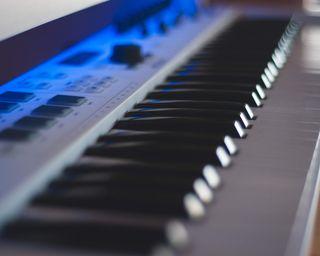 CLASES DE PIANO ONLINE/PRESENCIAL