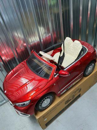 coche para niños/as de bateria a estrenar M.BENZ