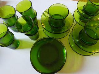 Vajilla de cristal verde