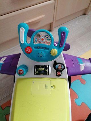 correpasillos avión toy story 4