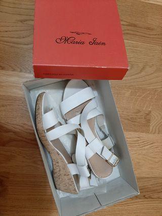 Sandalias blancas n. 39