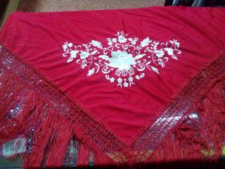 mantón y accesorios de flamenca