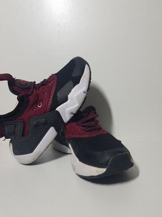 Nike huarache Jr.talla 29