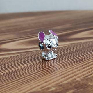 Stitch charm plata