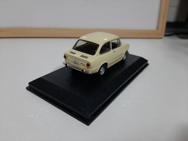 Maqueta Seat 850 (1967)
