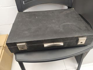 Maletin repuestos y accesorios de radio y tv antig