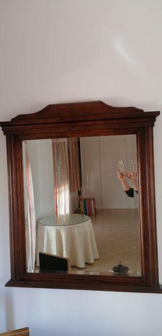 Espejo grande de madera