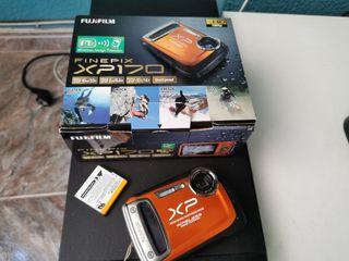 cámara acuática! con Wi-Fi finepixp170
