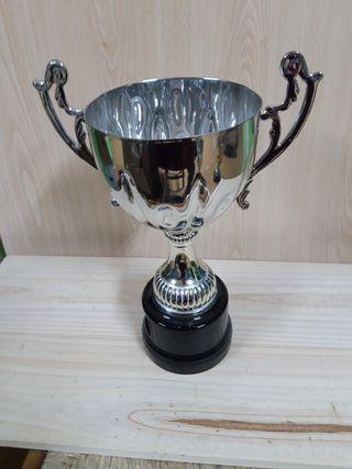 Copa trofeo nuevo 32 ctm.altura.