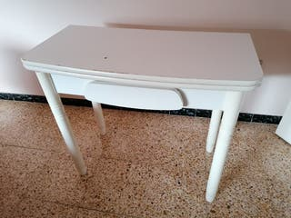URGE VENDER!! Mesa cocina blanca plegable