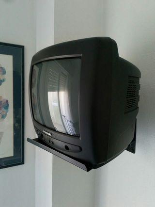 Televisión portátil con soporte pared