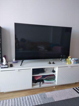 Mesa tv Ikea de segunda mano en la provincia de Madrid en